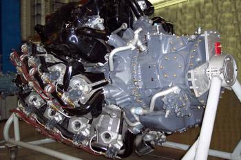 Motor de 4 estrellas con 36 cilindros